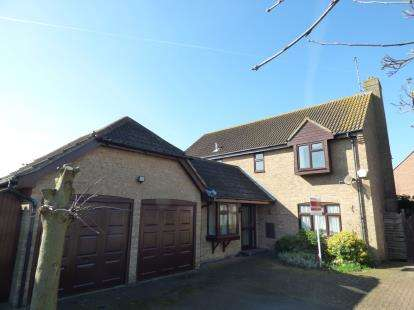 5 Bedrooms Detached House for sale in Benfleet, Essex, Uk