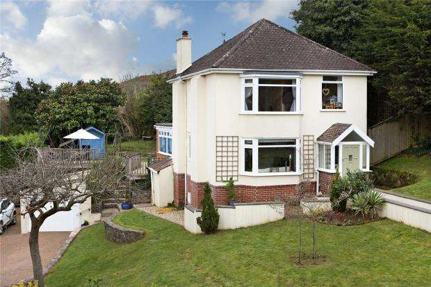 4 Bedrooms Detached House for sale in Abbotskerswell, Newton Abbot, Devon