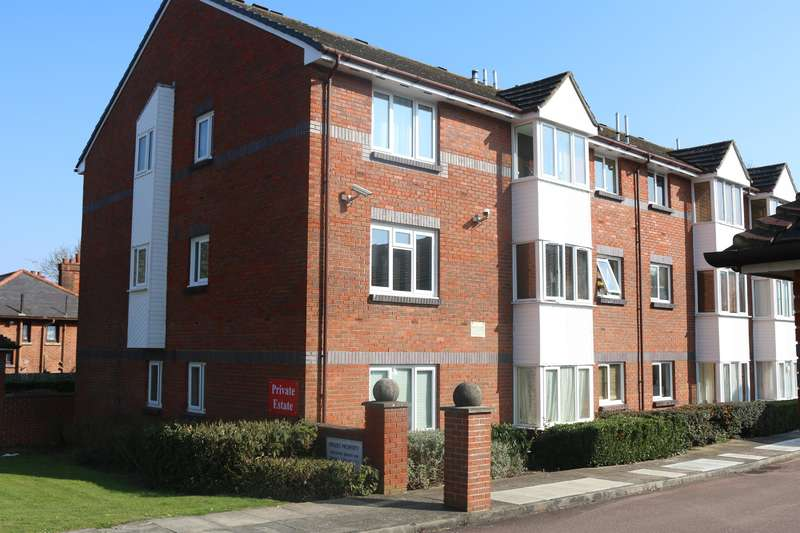 2 Bedrooms Flat for sale in Horsley House, 7A Red Lion Lane, SE18 4JG