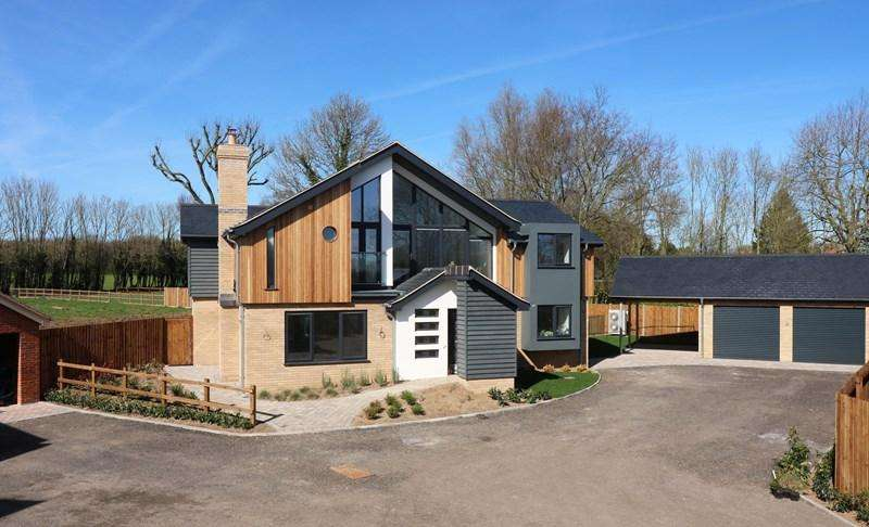 5 Bedrooms Detached House for sale in Long Street, Great Ellingham, Attleborough
