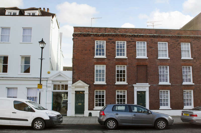 4 Bedrooms Town House for sale in Old Portsmouth, Hampshire