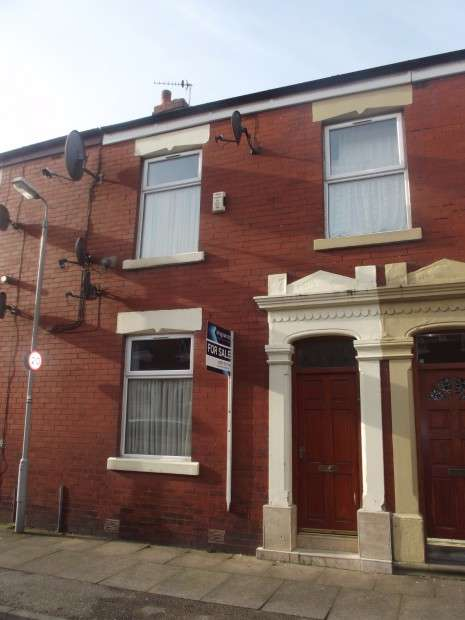 2 Bedrooms Terraced House for sale in Rook Street, Preston, PR1