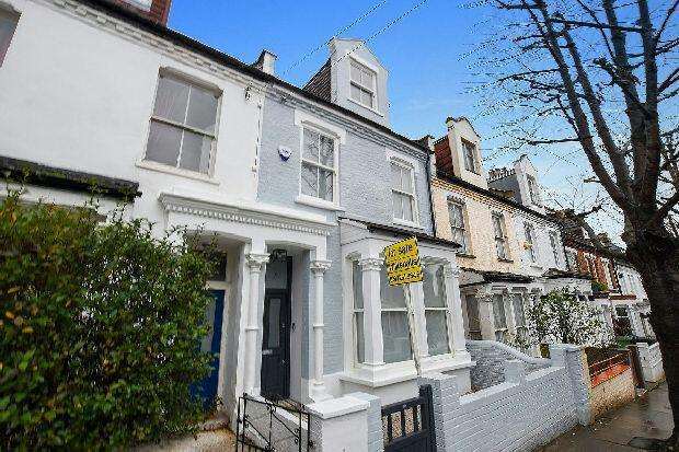 4 Bedrooms Terraced House for sale in PROSPERO ROAD Whitehall Park N19 3RF