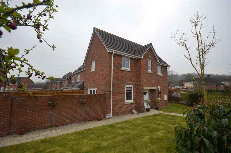 3 Bedrooms Detached House for sale in Sutton Avenue, Silverdale, Newcastle