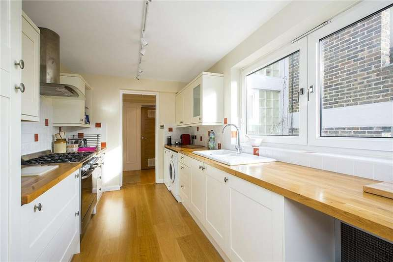 3 Bedrooms Flat for sale in Salisbury House, Oakfield Estate, SW19