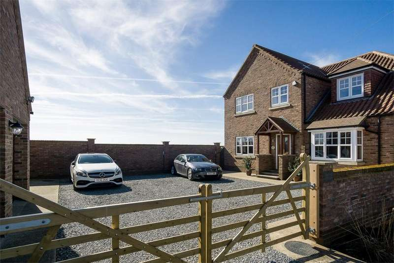 4 Bedrooms Detached House for sale in Chestnut Grove, Withernsea, East Riding of Yorkshire