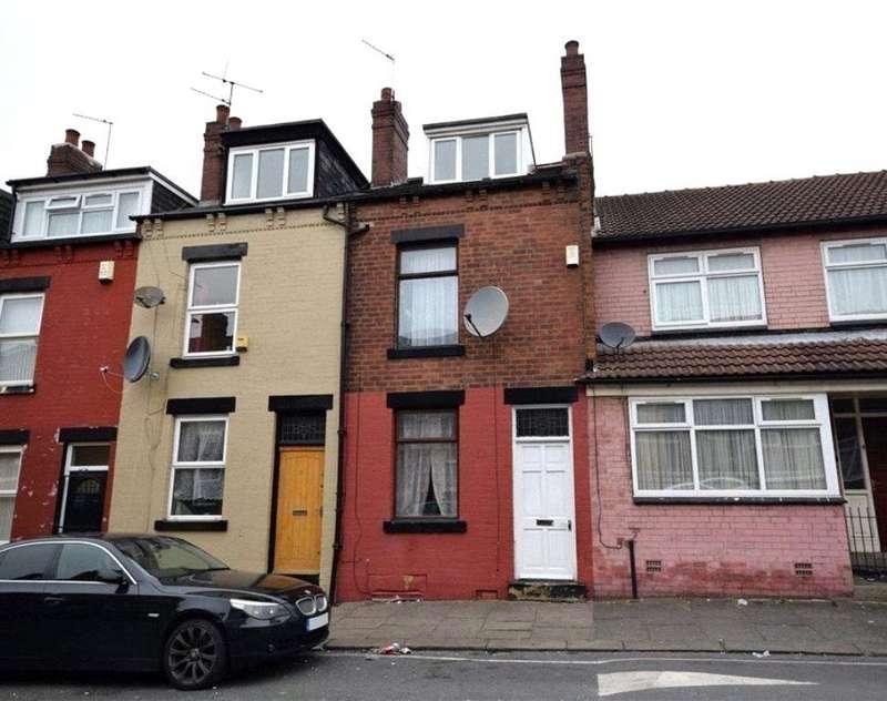 4 Bedrooms Terraced House for sale in Sandhurst Road, Harehills, Leeds