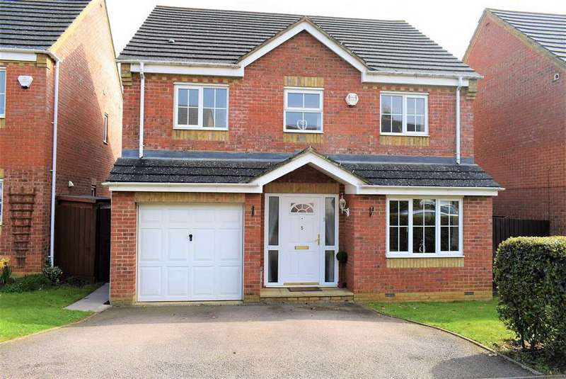 4 Bedrooms Detached House for sale in Leighton Close, Wellingborough, NN8 4SX
