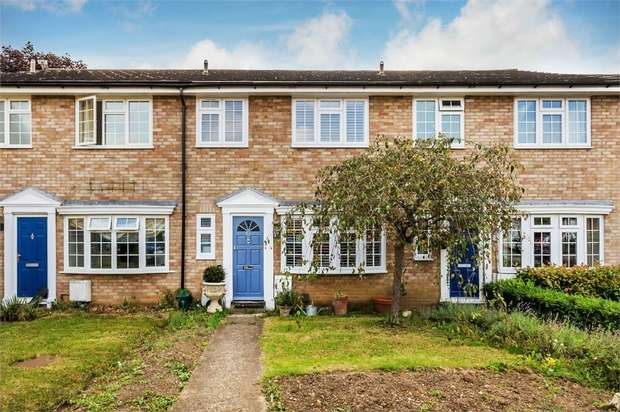 3 Bedrooms Terraced House for sale in Dunsmore Road, WALTON-ON-THAMES, Surrey