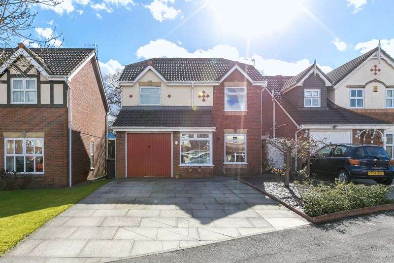 4 Bedrooms Semi Detached House for sale in Tatham Grove, Winstanley, WN3 6JT