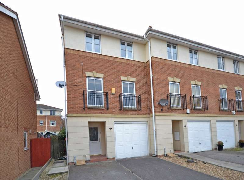 3 Bedrooms Town House for sale in Mill View, Alverthorpe, Wakefield