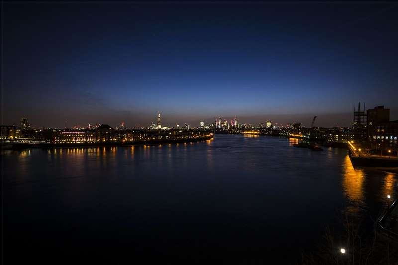 2 Bedrooms Flat for sale in Hanover House, 32 Westferry Circus, E14