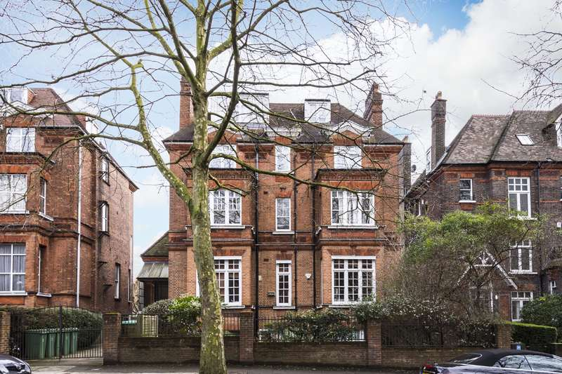 2 Bedrooms Flat for sale in Fitzjohns Avenue, Hampstead