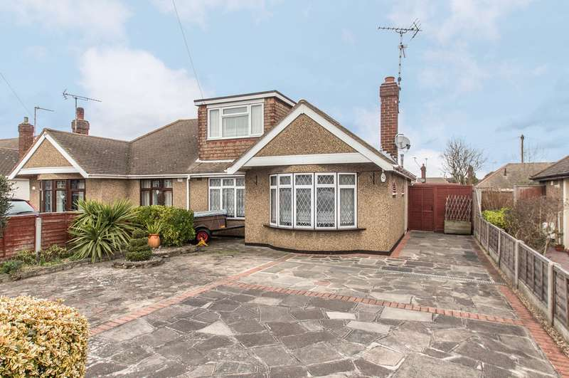 2 Bedrooms Semi Detached Bungalow for sale in Cornhill Avenue, Hockley, SS5