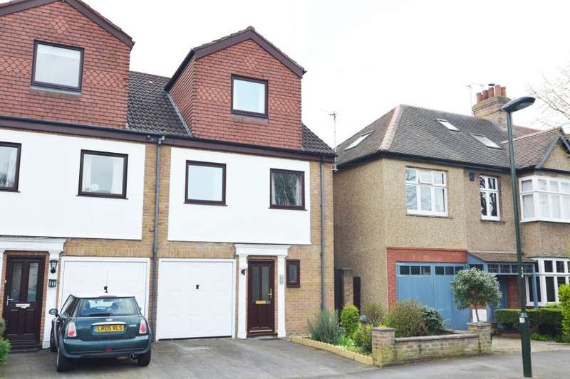 4 Bedrooms End Of Terrace House for sale in Connaught Road, Teddington, TW11
