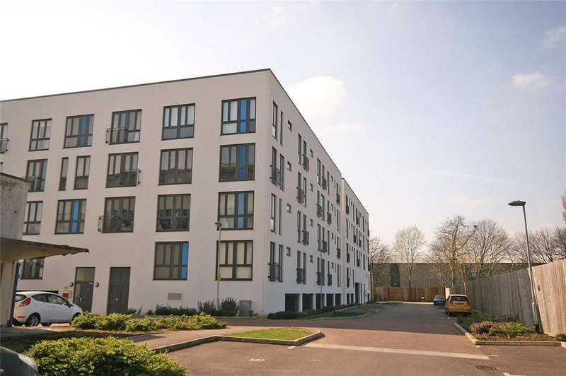 1 Bedroom Flat for sale in Salvisberg Court, Welwyn Garden City, Hertfordshire