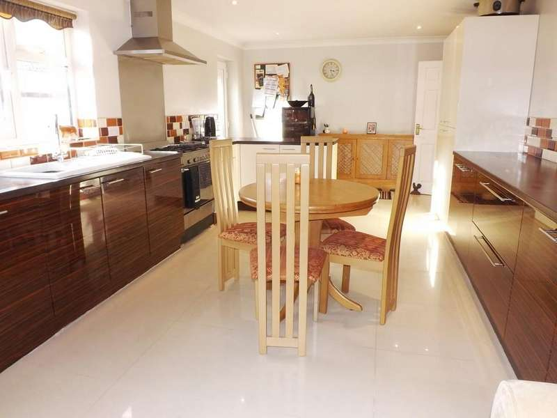 3 Bedrooms Detached Bungalow for sale in Long Sutton