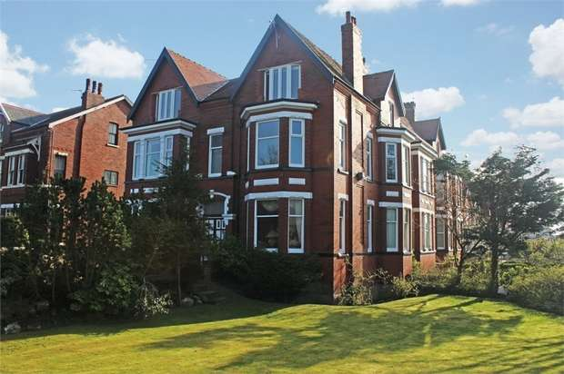 2 Bedrooms Flat for sale in 4 Park Road West, Southport, Merseyside