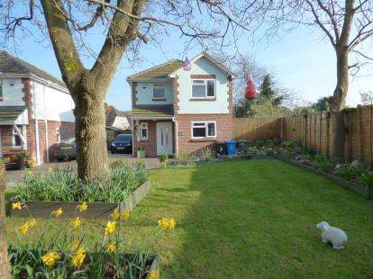 3 Bedrooms Detached House for sale in Hamworthy, Poole, Dorset