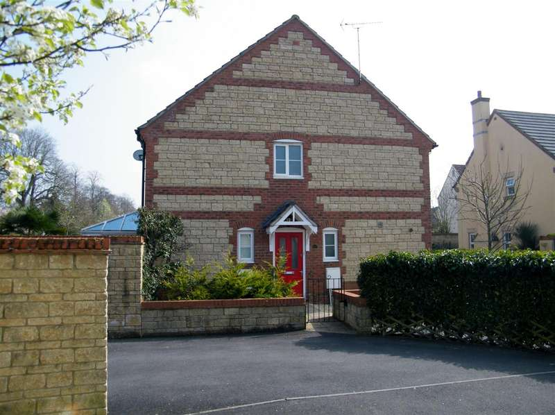 3 Bedrooms Property for sale in Bream Close, Calne