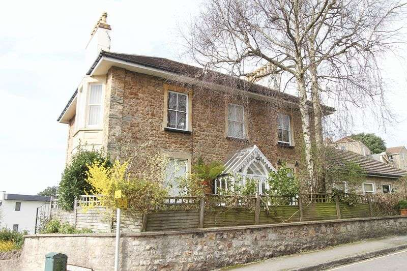 2 Bedrooms Flat for sale in Copse Road, Clevedon