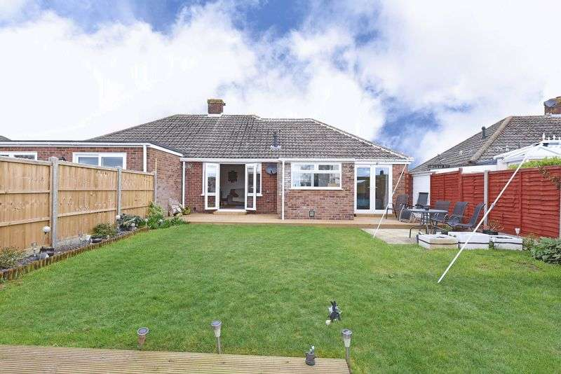 3 Bedrooms Semi Detached Bungalow for sale in Shipton Way Basingstoke
