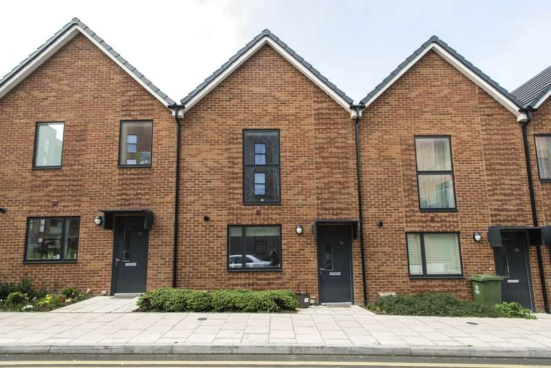 2 Bedrooms Terraced House for sale in Callender Road, Erith, London, DA8