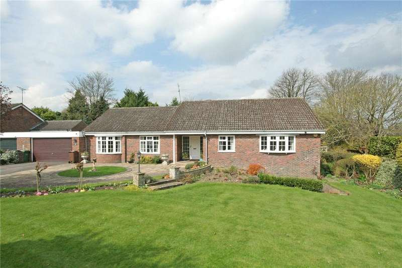 3 Bedrooms Detached Bungalow for sale in The Drive, Amenbury Lane, Harpenden, Hertfordshire