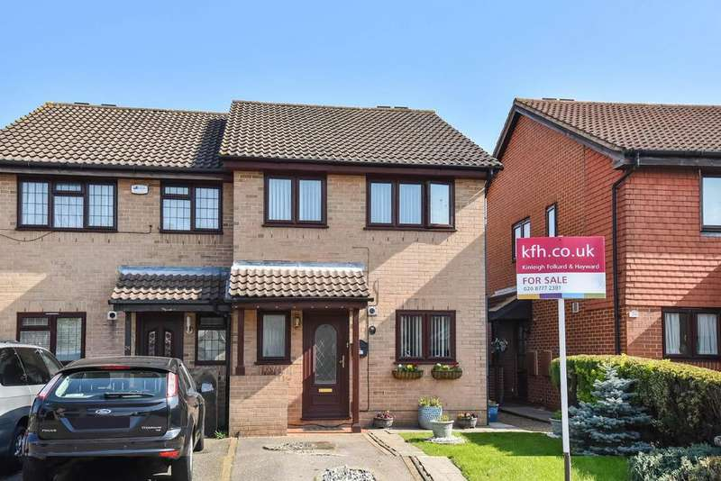 3 Bedrooms Semi Detached House for sale in Watlings Close, Shirley, CR0