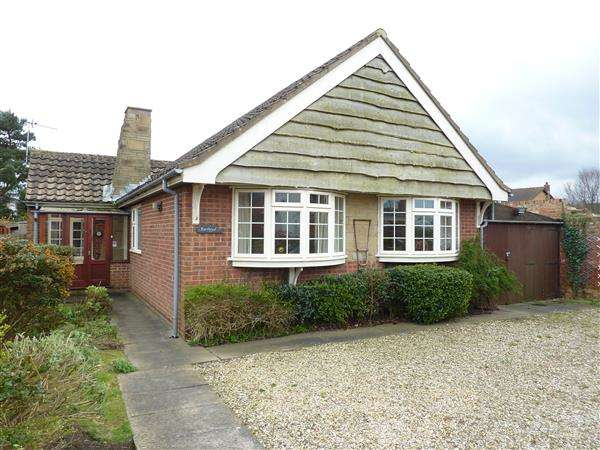 3 Bedrooms Detached Bungalow for sale in BARLWYD, STATION ROAD, NORTH THORESBY, GRIMSBY
