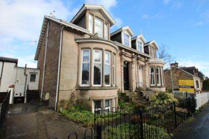 2 Bedrooms Flat for sale in Finnart Street, Greenock