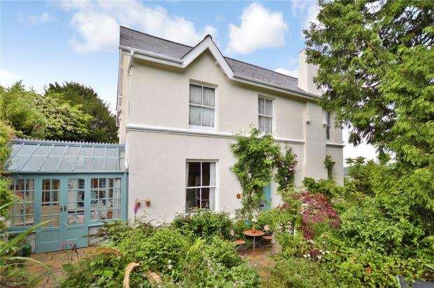 5 Bedrooms Detached House for sale in Rundle Road, Newton Abbot, Devon