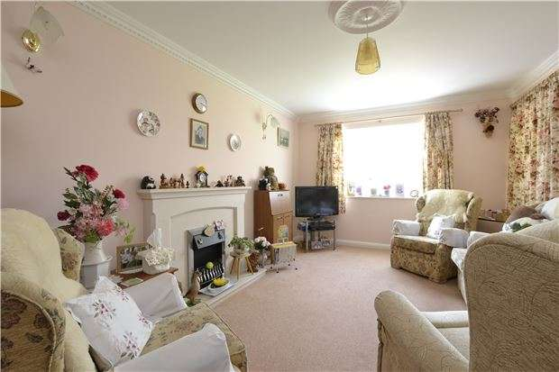 2 Bedrooms Flat for sale in Brockham Court, 35 Nottingham Road, SOUTH CROYDON, Surrey, CR2 6GB
