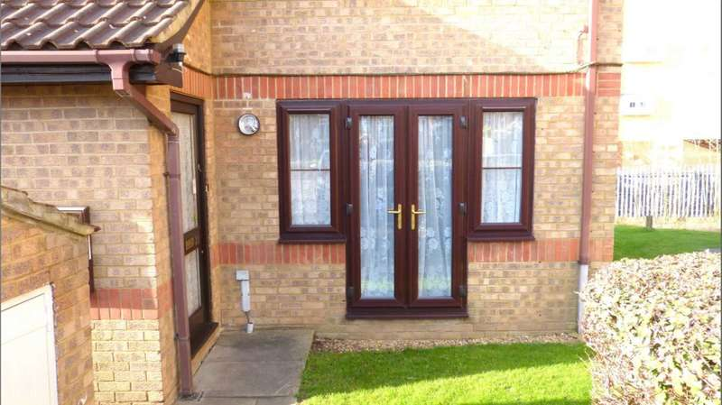 House for sale in Dunnock Close, Borehamwood
