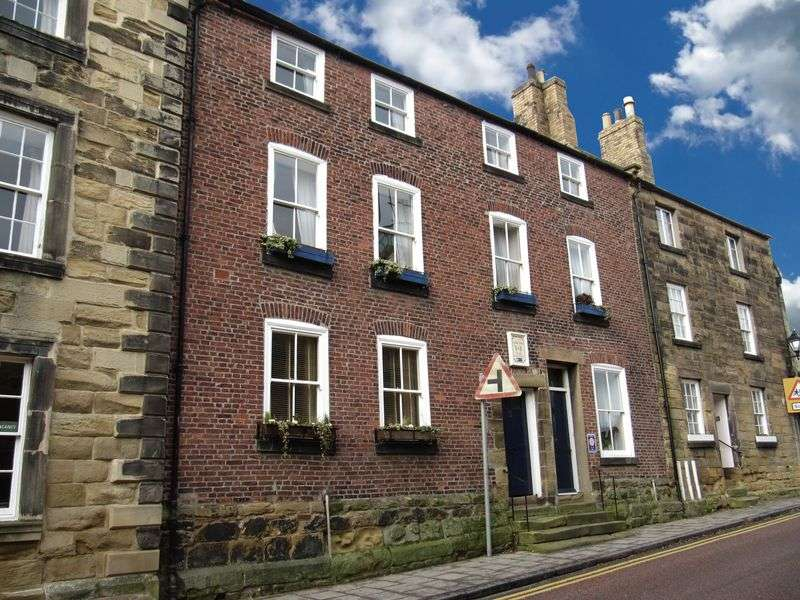 4 Bedrooms Terraced House for sale in Bailiffgate, Alnwick