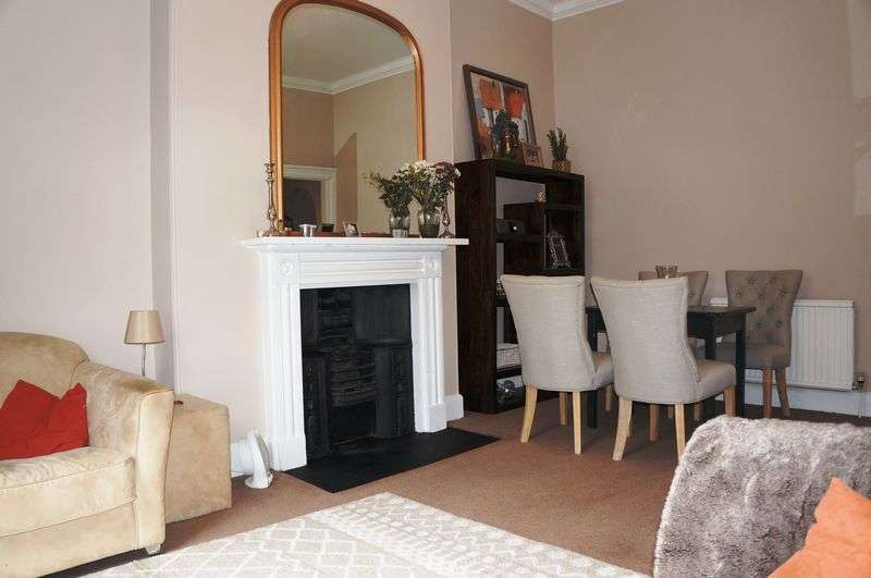 2 Bedrooms Flat for sale in Melroses Yard, York
