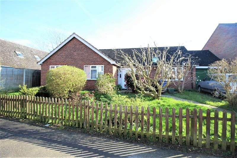 4 Bedrooms Detached Bungalow for sale in Peverell Road, Norwich