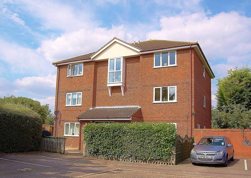 2 Bedrooms Ground Flat for sale in Fennec Close