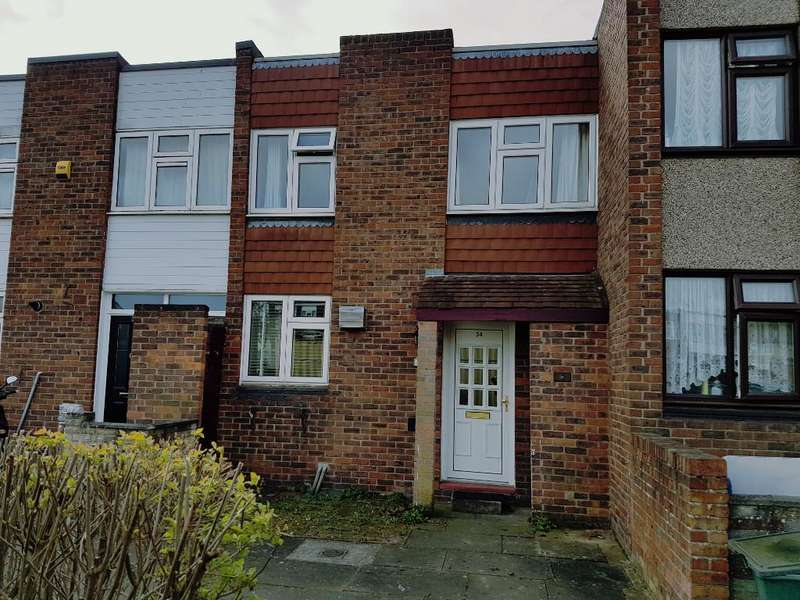 2 Bedrooms Terraced House for sale in Oakmoor Way, Chigwell