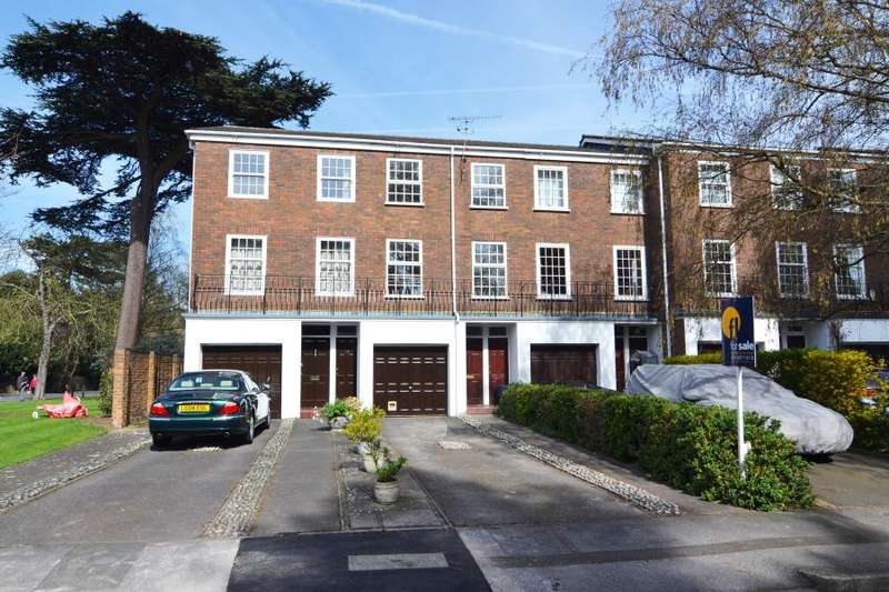 3 Bedrooms Town House for sale in Broom Park, Teddington, TW11