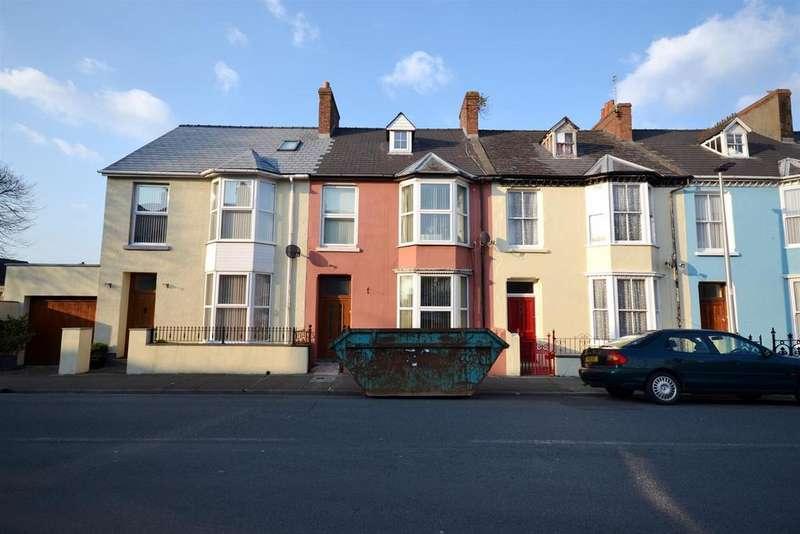 4 Bedrooms Terraced House for sale in Hawkstone Road, Pembroke Dock