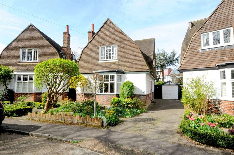3 Bedrooms Detached House for sale in Cedar Close, East Molesey, Surrey, KT8