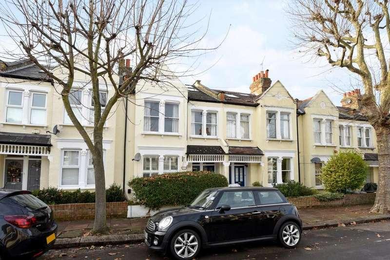 3 Bedrooms Maisonette Flat for sale in Trentham Street, Southfields, SW18