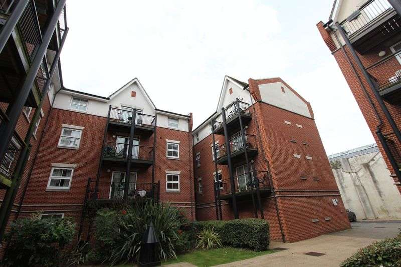 2 Bedrooms Flat for sale in Guild House - City Centre