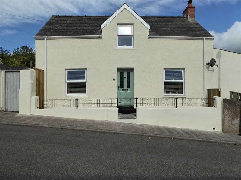 3 Bedrooms Detached House for sale in Sycamore Street, Pembroke Dock