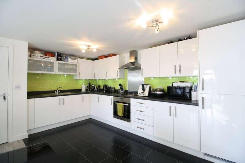 2 Bedrooms Flat for sale in Schoolfield Road, West Thurrock