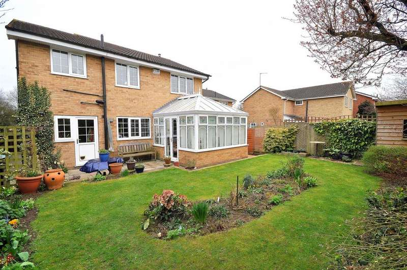 4 Bedrooms Detached House for sale in Herriot Way, Thirsk