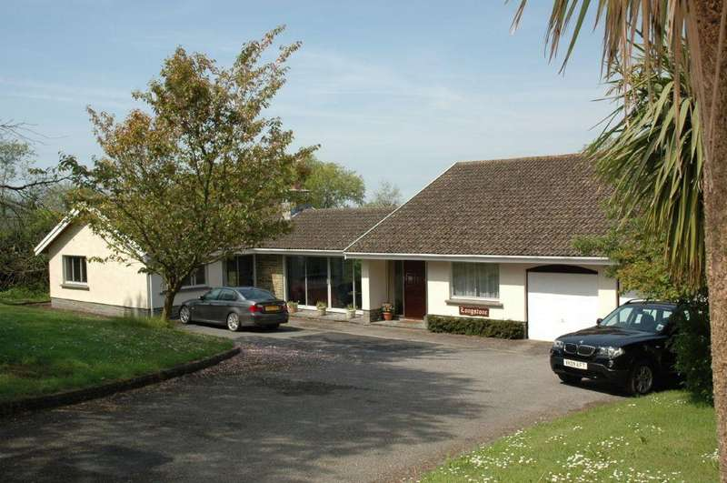 6 Bedrooms Detached House for sale in East Williamston, Tenby