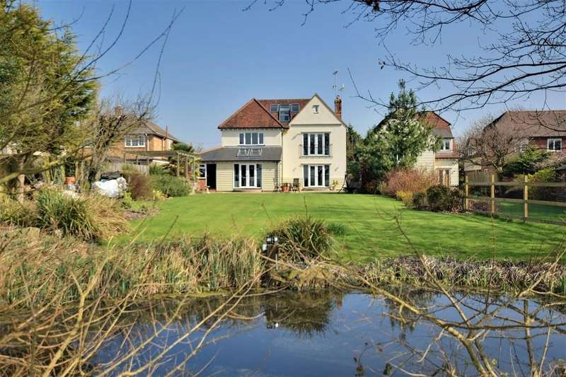 6 Bedrooms Detached House for sale in Chelmsford Road, Causeway End, Felsted