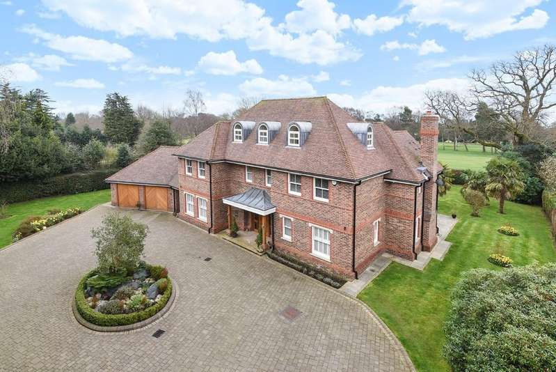 6 Bedrooms Detached House for sale in Sandy Lane, Kingswood